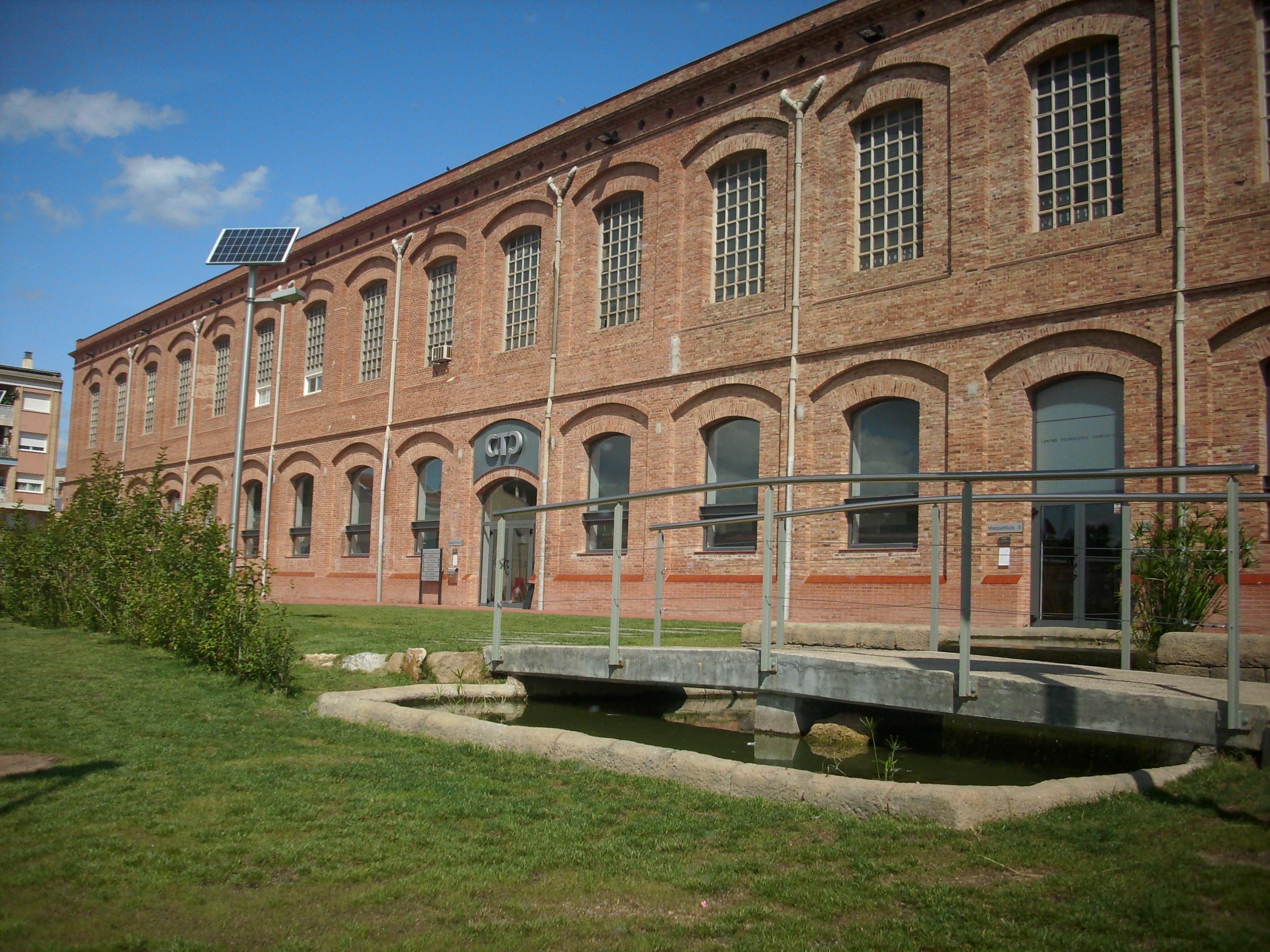 Façana Centre Tecnològic Comunitari