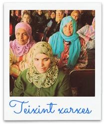 foto dones Teixint xarxes